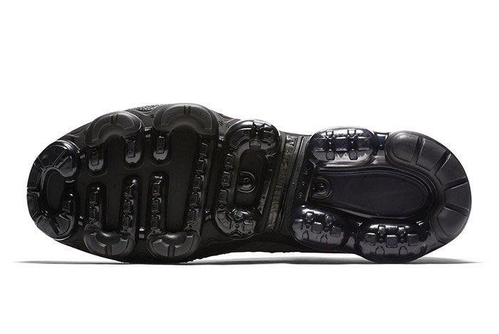 Nike Vapormax Triple Black 4