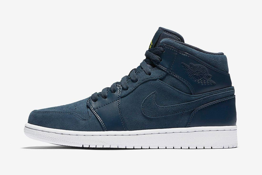 Air Jordan 1 Mid Armory Navy