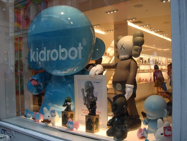 Dave White Does Kid Robot 37