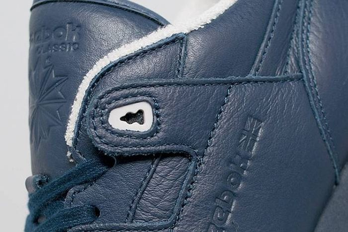 Reebok Tumbled Leather Size 3