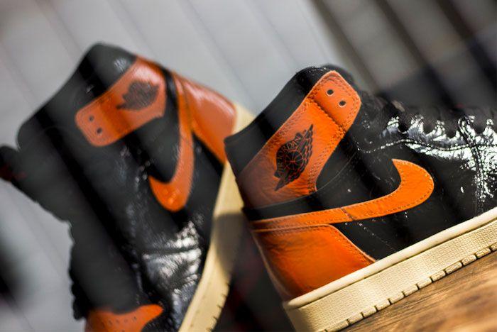 Air Jordan 1 Shattered Background Heel