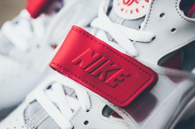 Nike Air Trainer Huarache White Uni Red 5