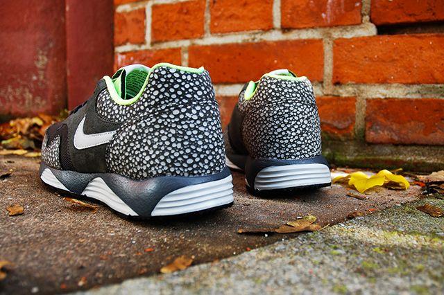 Nike Lunar Terra Safari Black Volt 3