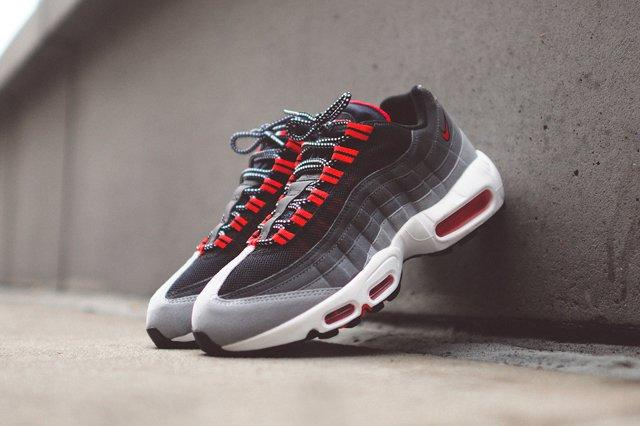 Nike Air Max 95 Chilling Red Bump 7