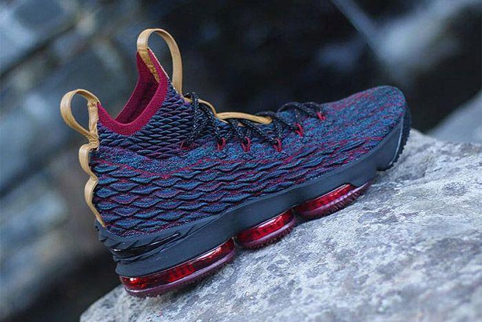 Nike Le Bron 15 Cavs