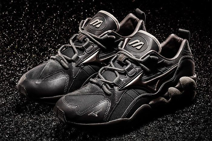 Mizuno Wave Rider 1 Triple Black 1