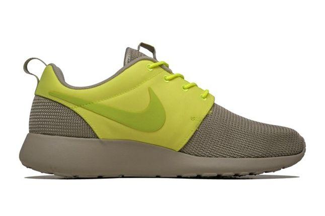 Nike Roshe Run 2Face Volt Inner Profile 1