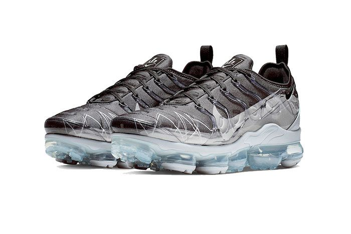 Vapormax Plus Wolfgrey Front Angle Shot 4