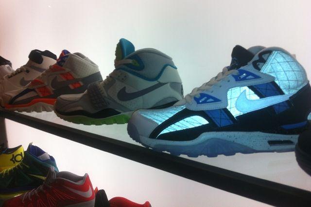 Nike 21 Mercer Trainers