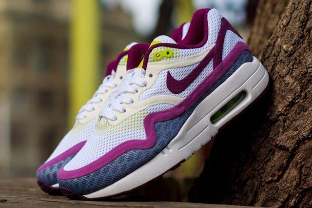 Nike Wmns Air Max 1 Breeze Bright Grape 4