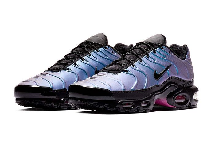 Nike Air Max Plus Laser Fuchsia Quarter