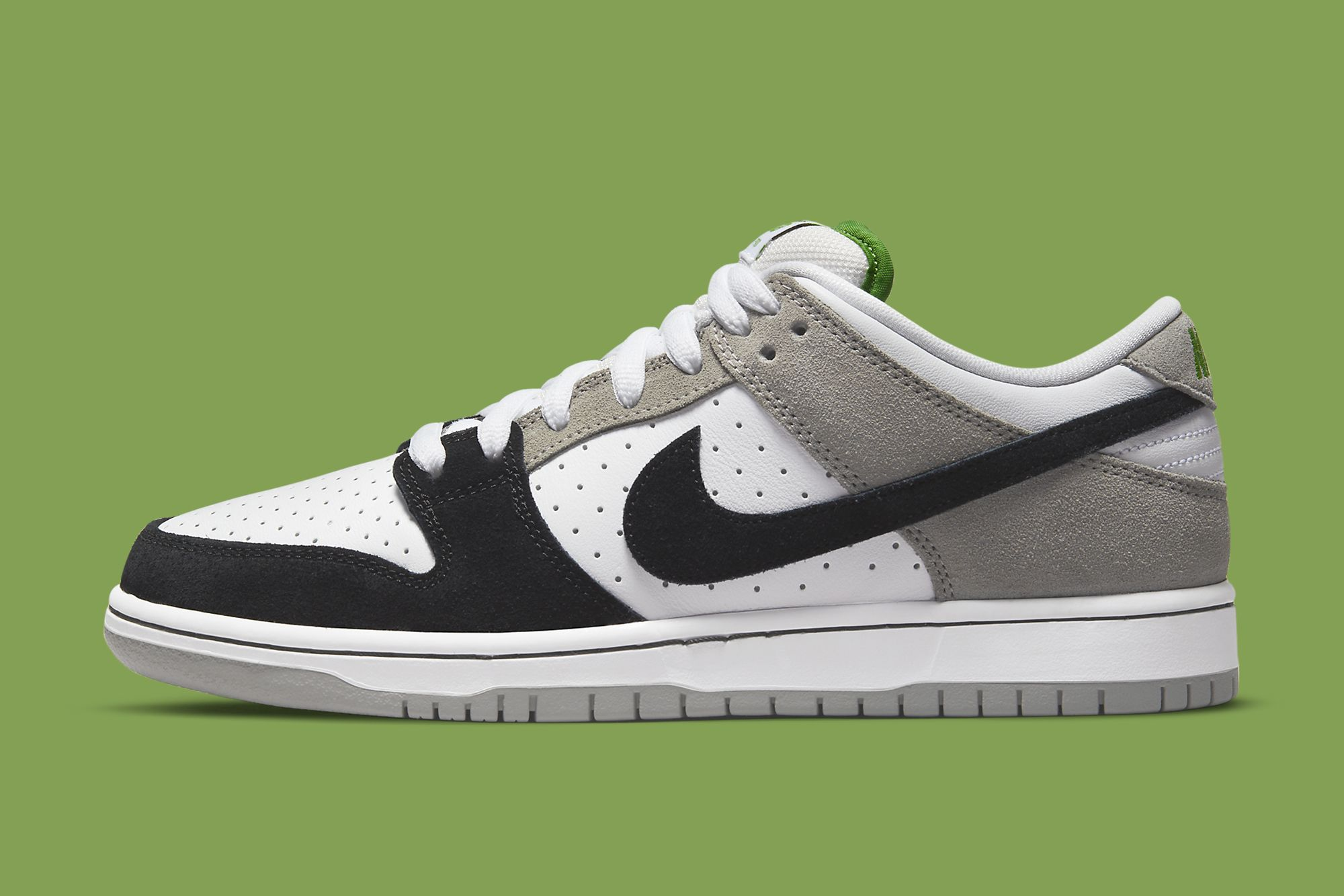 Nike SB Dunk Low 'Chlorophyll' Official Images