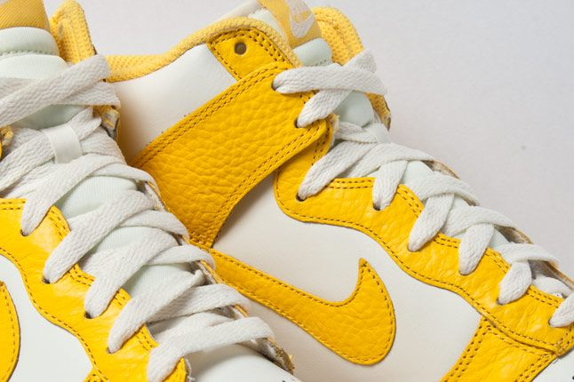 Nike Dunk High Varsity Maize 3 4 2 1