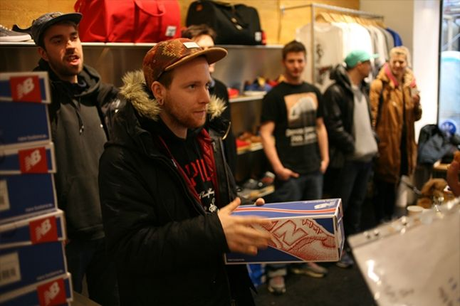 Sneaker Freaker X New Balance 998 Tassie Devil Paar Launch Dude Copped 1