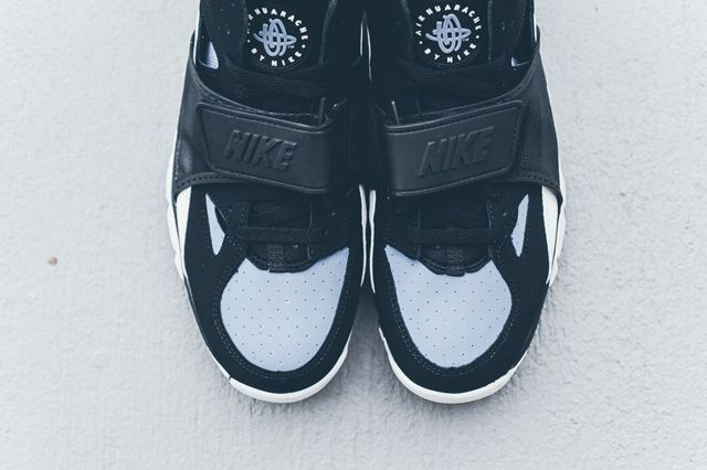 Nike Huarache Trainer Black Grey Bumper 1
