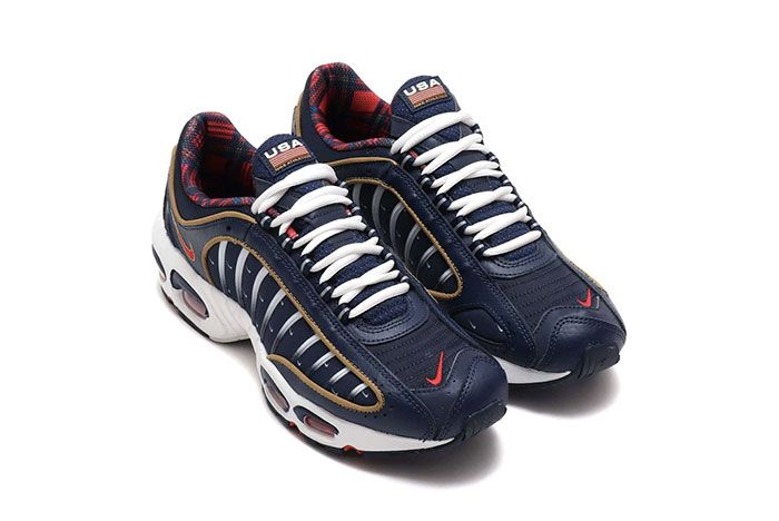 Nike Air Max Tailwind 4 Independence Front Angle