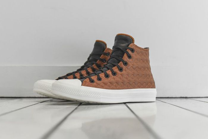 Converse Chuck Taylor 2 Car Leather 02