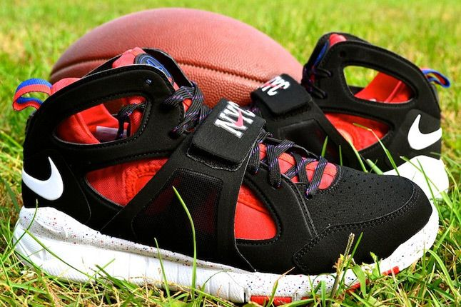 Nike Huarache Free Shield Nyc Giants Side Profile 1