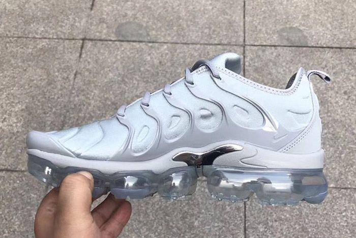 Nike Vapormax Plus Grey 3