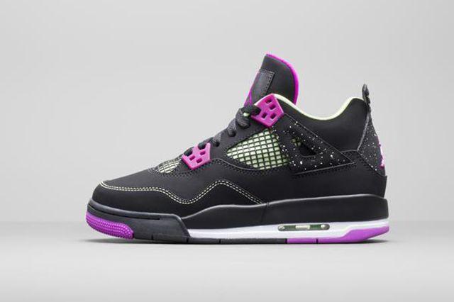 Air Jordan 4 Wmns Black Grape 2