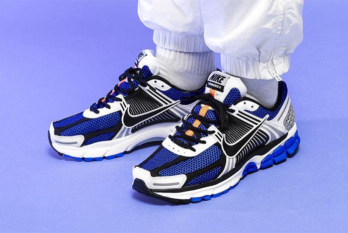 Nike Vomero 5 Se Sp Racer Blue Electric Green Dark Grey On Foot Shot