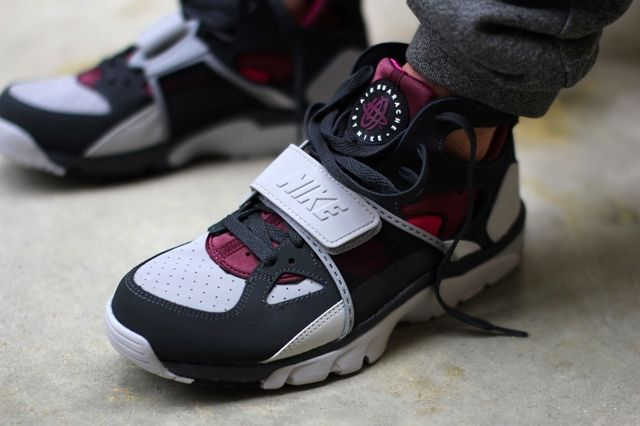 Nike Air Trainer Huarache Fireberry 4
