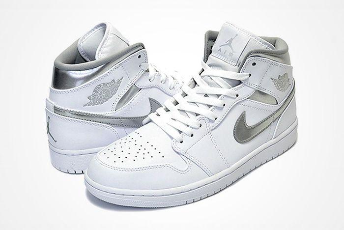 Air Jordan 1 Mid Pure Moneyfeature