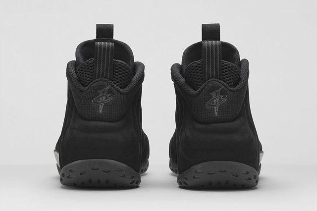 Nike Air Foamposite One Triple Black 2