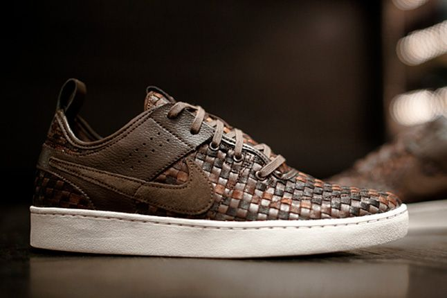 Nike Nsw Courtside Woven Track Brown 1