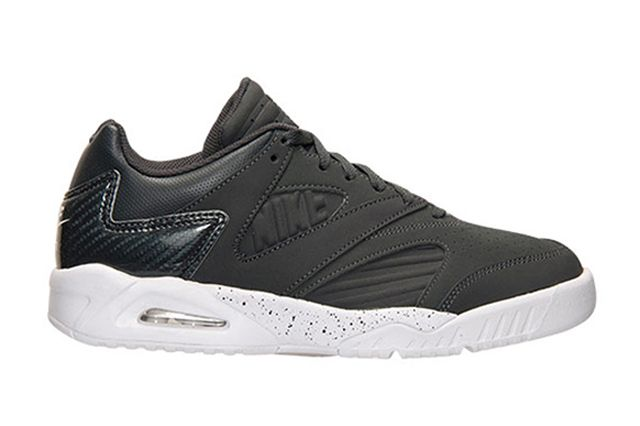 Nike Air Tech Challenge 4 Low Grey 1