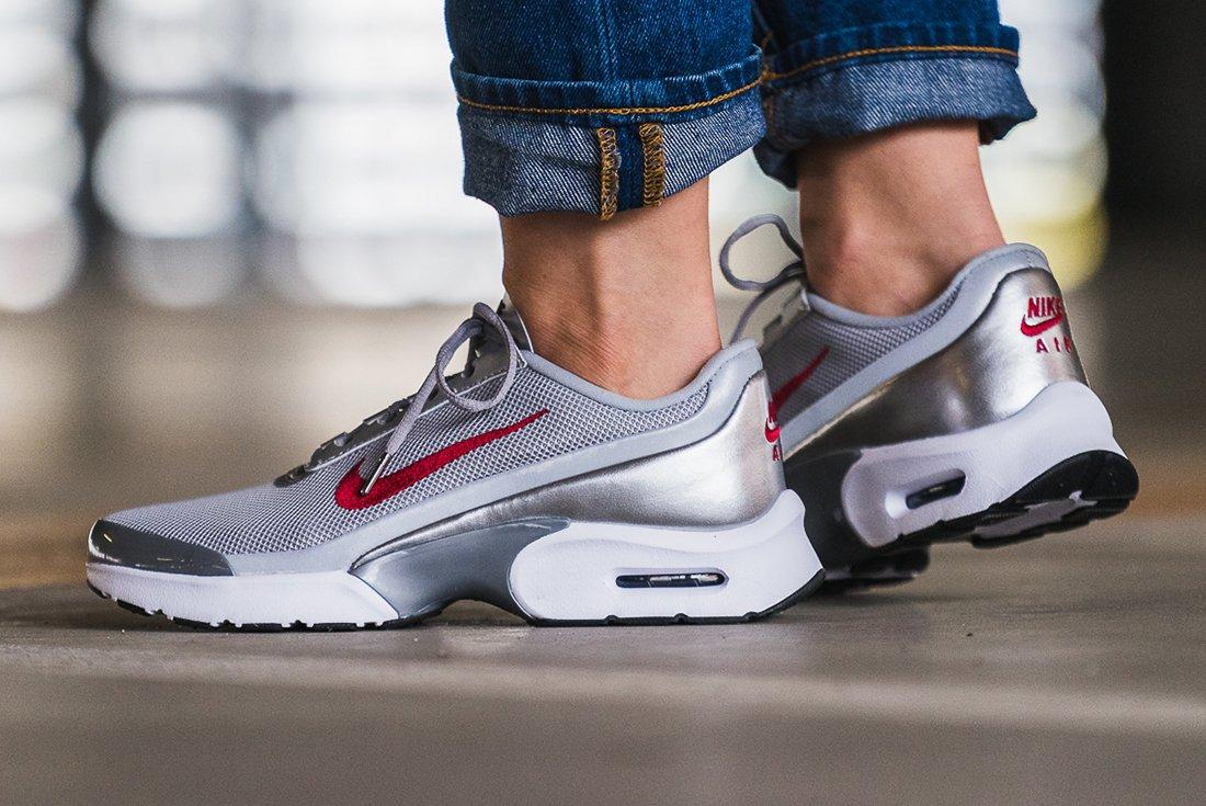 Nike Air Max Jewell Womens Silver Bulletfeature