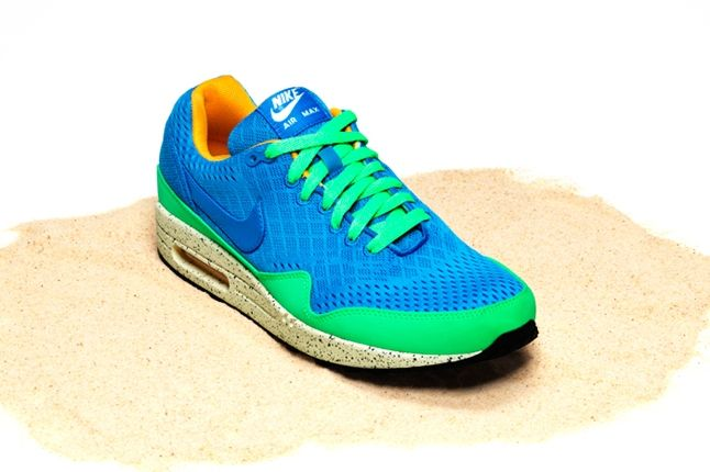 Nike Air Max Bor Pack Am87 Front Quarter 1