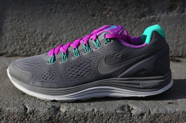 Nike Lunarglide 4 Cool Grey Laser Purple Profile 1