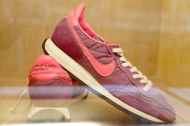 Nike Devo 1