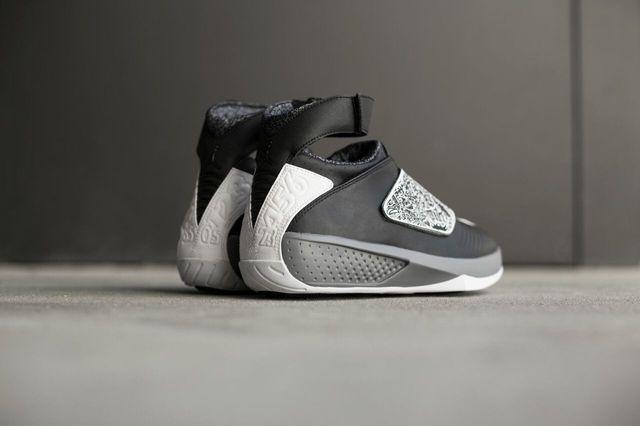 Air Jordan 20 Black White Bump 4