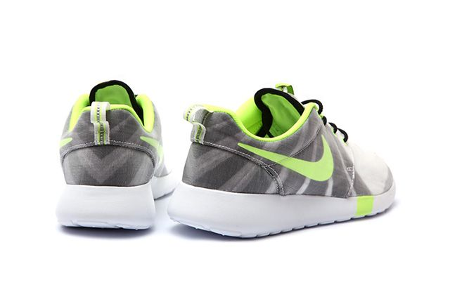 Nike Wmns Roshe Run Air Max 1 Training Pack