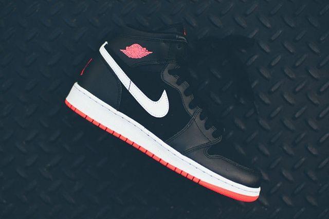 Air Jordan 1 Black Hot Lava 7