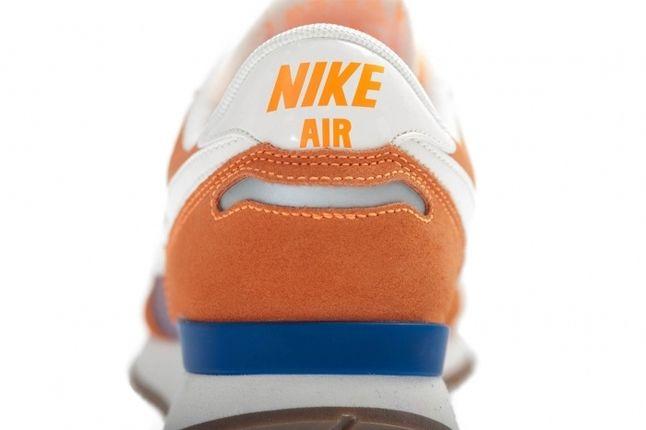 Nike Wmns Air Vortex Vntg Orange Heel Detail 1