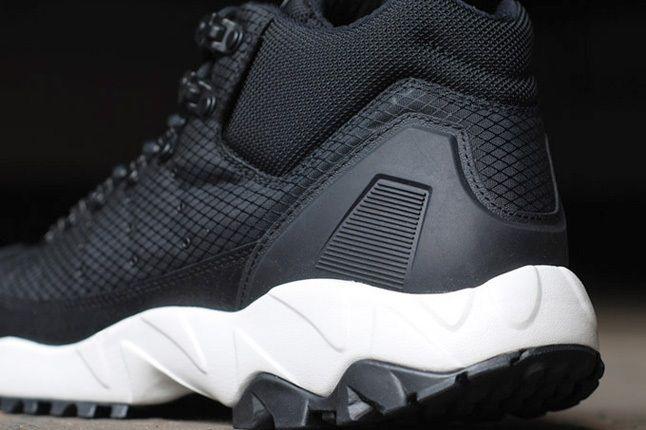 Adidas Torsion Trail Nightblk Heel Detail