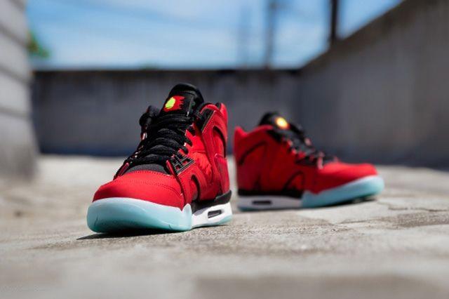 Nike Atc Hybrid Chilling Red Bump 1