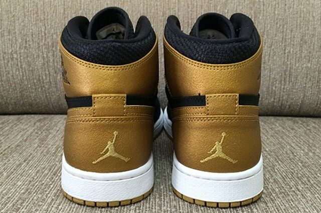 Air Jordan 1 Mid Melo 3