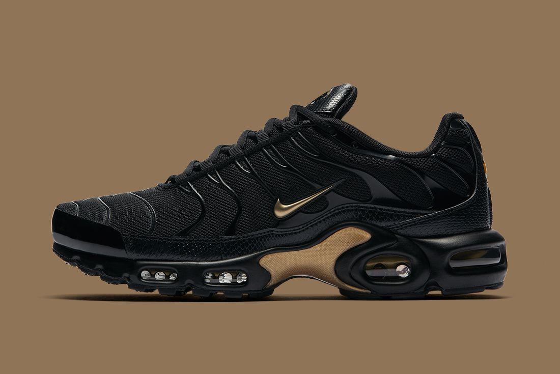 Nike Black Gold Pack 2