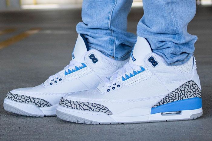 Air Jordan 3 Unc On Foot Left