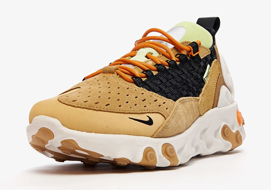Nike React Sertu At5301 700 Club Gold Black Wheat Bright Ceramic 2 Angle