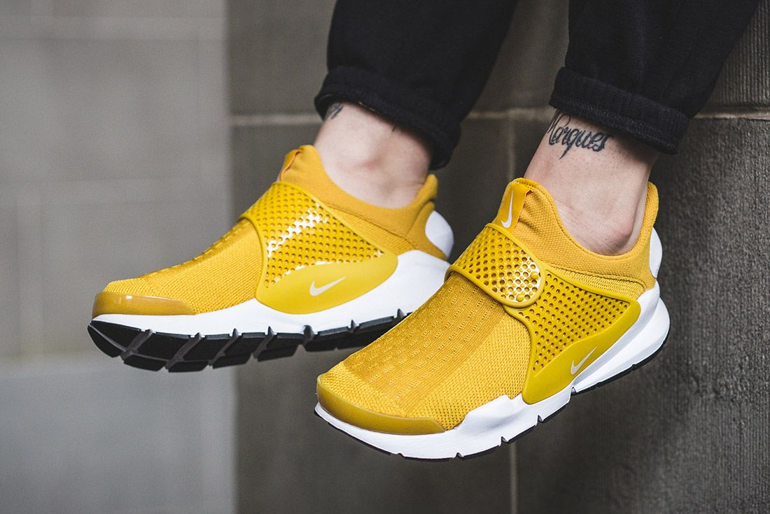 Nike Sock Dart Gold On Foot 3