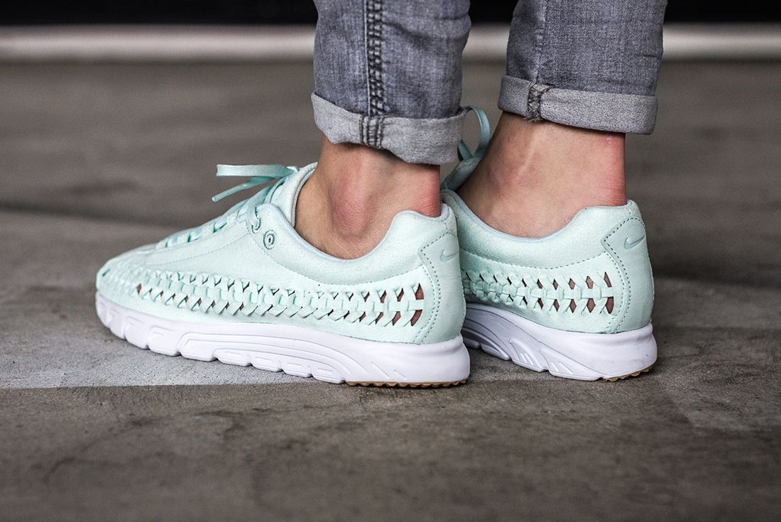 Nike Mayfly Woven Womens Pastel Pack 5