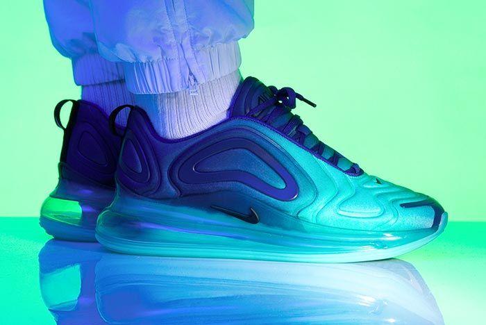 Nike Air Vapormax 720 Hyper Jade Right Side Pair Shot
