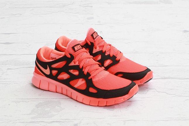 Nike Free Run2 Ext Ttlcrimson Brhtmango Outer Quarter 1
