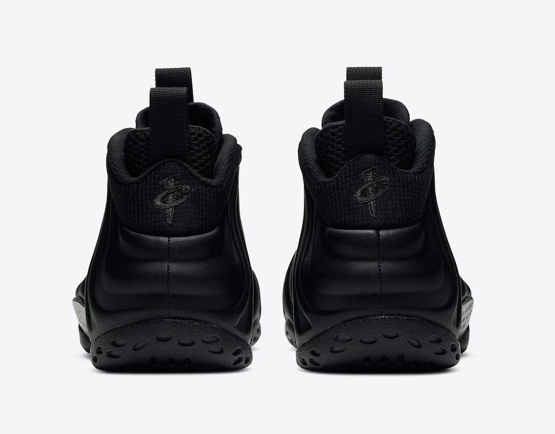 Nike Air Foamposite One Blackout