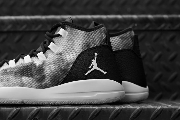 Air Jordan Reveal Premium Smoke5